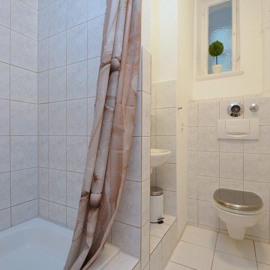 Modern möbliertes WG-Zimmer in Stuttgart Ost – AG176932